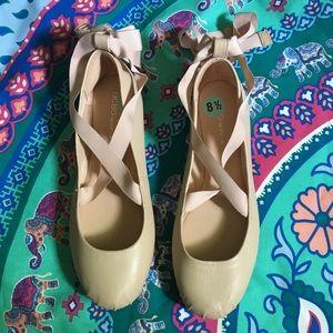 BCBG Generation Takia Tie-Up Ballet Flats